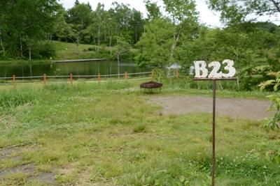 無印良品南乗鞍キャンプ場のオートキャンプサイト(A~Fエリア)は13m×13mの広さを持つオートサイトです。A、C、Dエリアはペット連れ込み可能です。